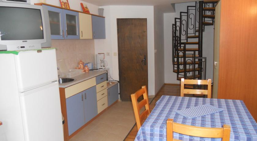 maisonette, kitchen